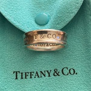 Vintage Tiffany & Co. 1837 ring